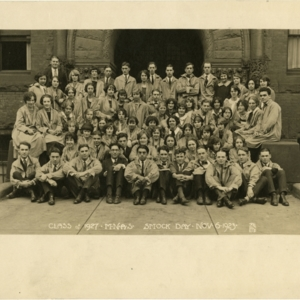 Portrait of Class of 1927 on Smock Day